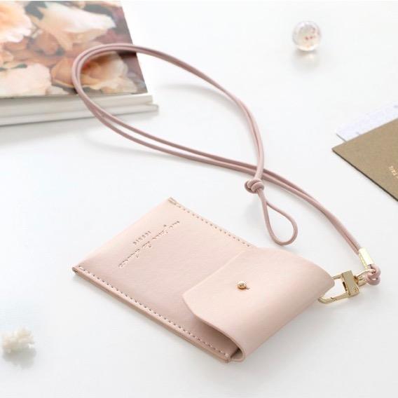 Держатель для пропуска Slit neck card pocket - розовый