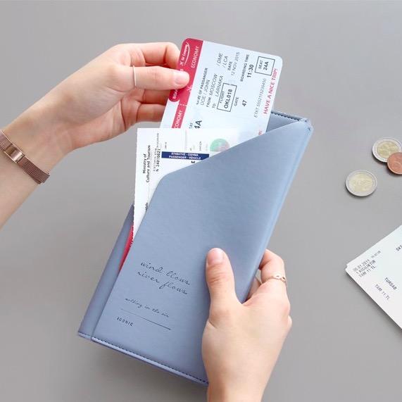 Холдер для документов ICONIC Slit passport wallet голубой